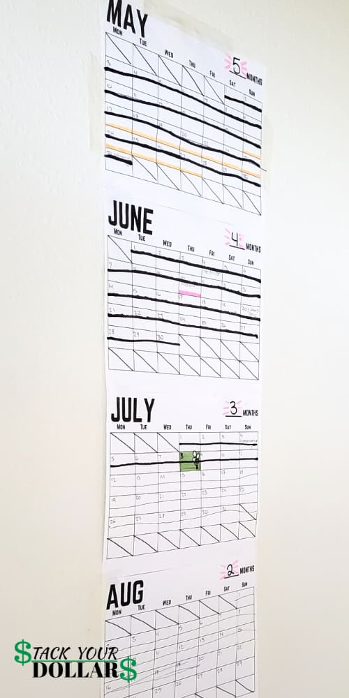 Wall calendar with countdown to moving day